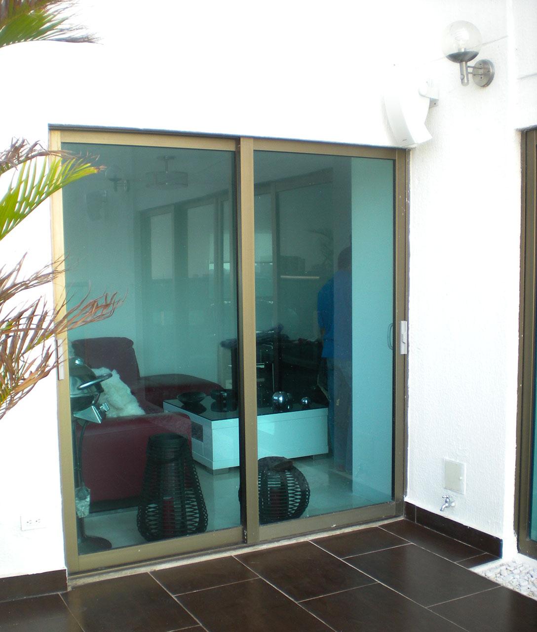 Puertas ventanas aluminio simple ferba aluminio ventanas for Fabrica de puertas de aluminio