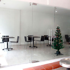 FERBA Decoraciones - Vidrios - Divisiones de Oficinas y Espacios